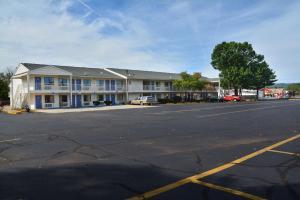 Motel 6 Hartford - Southington, Szállodák  Southington - big - 34