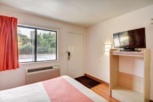 Motel 6 Hartford - Southington, Szállodák  Southington - big - 4