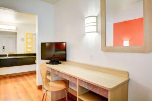 Motel 6 Hartford - Southington, Hotel  Southington - big - 37