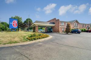 Motel 6-Waukegan, IL
