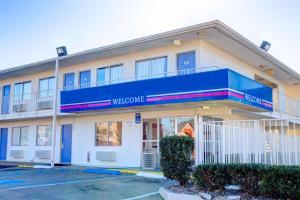 Motel 6-Murfreesboro, TN