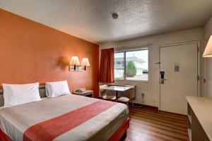 Motel 6 Wells, Отели  Wells - big - 56
