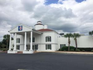 Motel 6 Brunswick