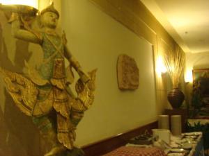 Manhattan Hotel Pathumtani, Hotely  Ban Lam Rua Taek - big - 37