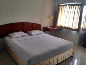 Manhattan Hotel Pathumtani, Hotely  Ban Lam Rua Taek - big - 22