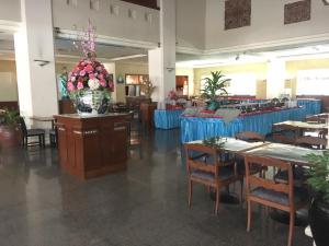 Manhattan Hotel Pathumtani, Hotely  Ban Lam Rua Taek - big - 25