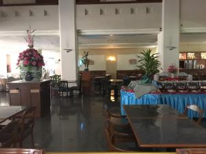 Manhattan Hotel Pathumtani, Hotely  Ban Lam Rua Taek - big - 32