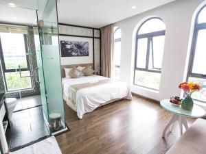 Flora Hotel & Residence