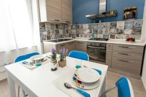 Byron & Shelley Apartments - AbcAlberghi.com