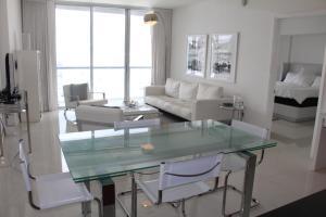 obrázek - Luxury 45th Floor Suite at Icon