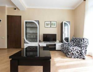 Brand New Apartment with Terrace, Apartments  Tbilisi City - big - 26