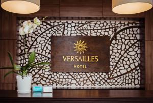 Hotel Versailles, Szállodák  Luck - big - 1