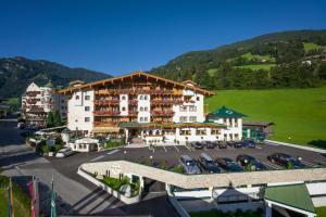 Hotel Neue Post - Hippach