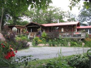 Shambhala Bed and Breakfast - Accommodation - Buckhorn
