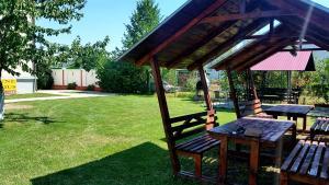 Pensiunea Cornelius, Guest houses  Piatra Neamţ - big - 35