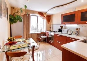 Two-Bedroom Apartments Olomoutskaya 44 - Velikiy Oktyabr'