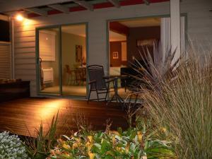 Molyneux House - Accommodation - Kaka Point