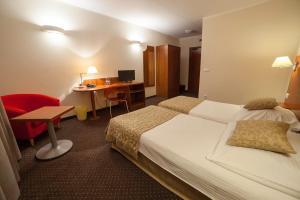 Hotel Major Budget