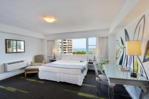 Deluxe Ocean View, 1 King Bed and Sofa Bed Hotel Miramar