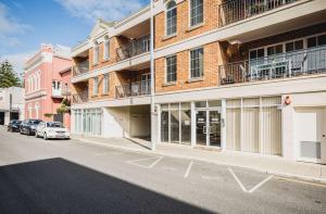James Henty, Apartments - Fremantle