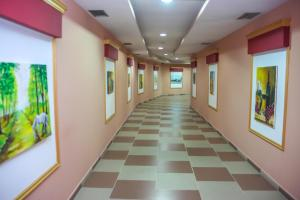 Hotel Vila Aeroport, Отели  Ринас - big - 52