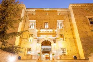 Castello Chiola Dimora Storica - AbcAlberghi.com