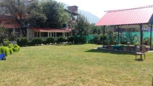 The Tara Villa, Bed and Breakfasts  Shamshi - big - 41