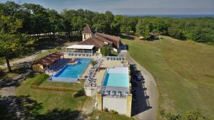 Location gîte, chambres d'hotes Résidence Les Hauts de Marquay dans le département Dordogne 24