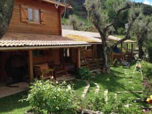 Location gîte, chambres d'hotes Le Chalet de Valentine & Laurent dans le département Corse du Sud 2a