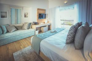 Carana Beach Hotel (2 of 38)