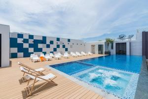 Sea Me Spring Tree Hotel - Pattaya Central