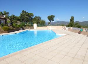 Ferienhaus mit Blick auf Grimaud, Holiday homes  Grimaud - big - 6