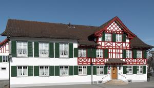 Gasthof Eisenbahn - Hotel - Weinfelden