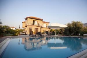 Hera Kyrenia Gardens