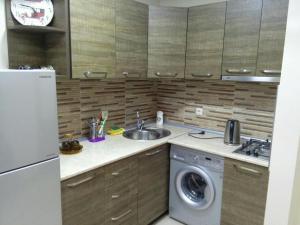Apartment on Parnavaz Mepe 2-94, Apartmány  Batumi - big - 13
