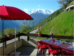 Pension Kastel, Bed and breakfasts  Zeneggen - big - 22