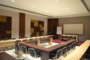 City Hotel, Hotel  Tasikmalaya - big - 53
