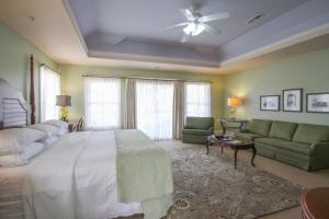 Beach Spa Bed & Breakfast, Bed and breakfasts  Virginia Beach - big - 12