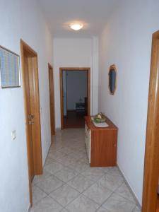 Apartments Kapetan Jure, Apartmány  Brela - big - 71