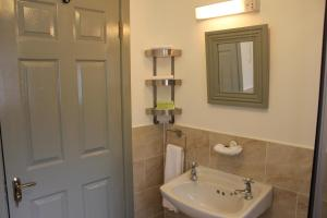 Clifden Apartment, Apartments  Clifden - big - 16