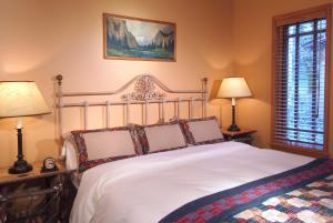 Weasku Inn, Hotel  Grants Pass - big - 56