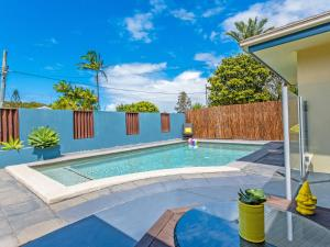 Coolum Waves Pet Friendly Holiday House - Coolum