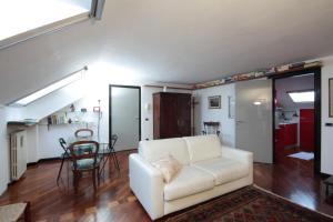 Appartamento Viale Corsica 99 - AbcAlberghi.com