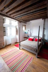 Location gîte, chambres d'hotes Les Trois Maillets, Monument Historique dans le département Loiret 45