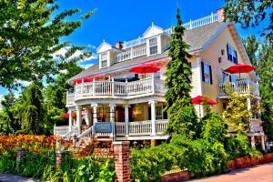 Big Yellow Inn - Accommodation - Cedar City
