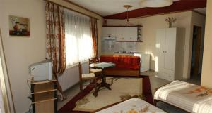Xenonas Agnanti, Гостевые дома  Нераидохори - big - 24
