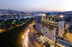 Отель Mövenpick Istanbul Hotel Golden Horn