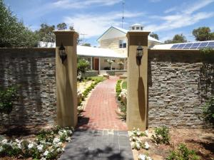 Studio 66, Country houses  Dawesville - big - 24