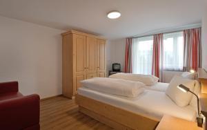 Gasthof Appartement`s Staffnerhof - Apartment - Kössen