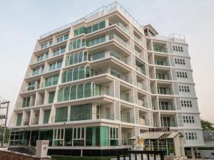 Beach Front Jomtien Residence Condominium - Ban Pak Khlong